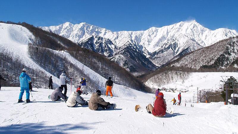 スノボツアーHAKUBA VALLEY 鹿島槍スキー場