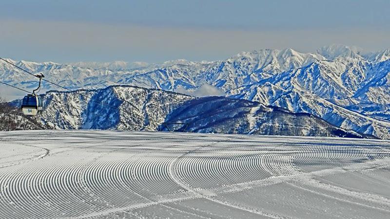 スノボツアーかぐらスキー場